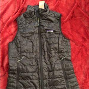 Brand new nano puff vest by Patagonia. Women's s